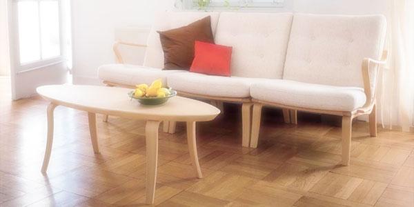 ソファーとリビングテーブルのイメージ