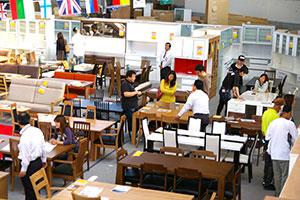 2人用の小さな食卓テーブルから6人用の大きな食卓テーブルまで、家族が集う食卓セットを大量展示!