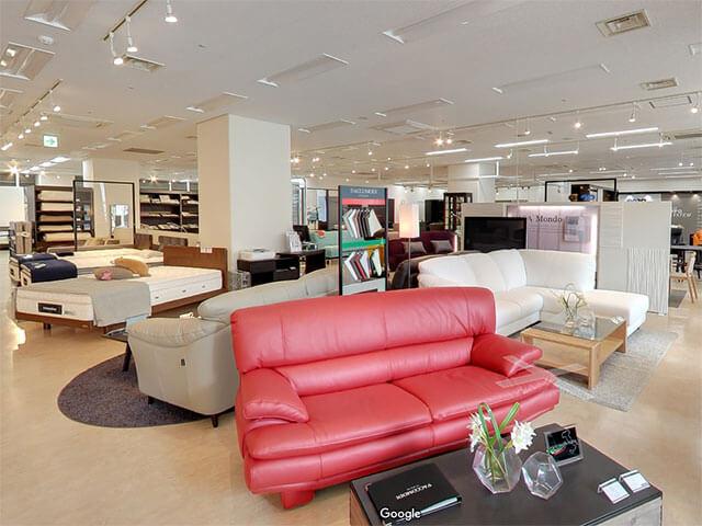1,800平米のスペースに高級家具が勢ぞろい!